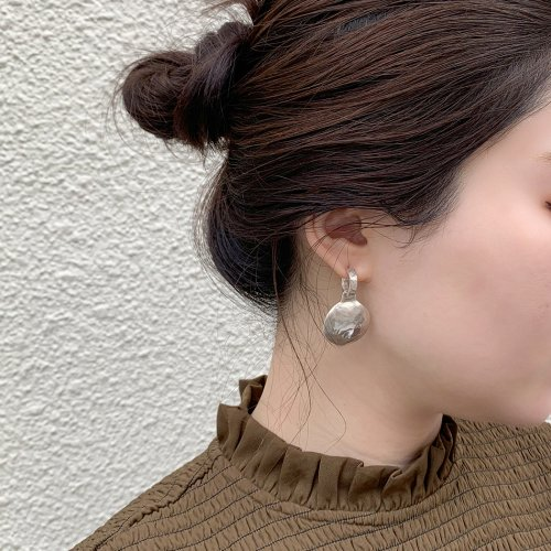 CALLMOON(コールムーン) / ESS023 New moon earrings ピアス シルバー<img class='new_mark_img2' src='https://img.shop-pro.jp/img/new/icons7.gif' style='border:none;display:inline;margin:0px;padding:0px;width:auto;' />
