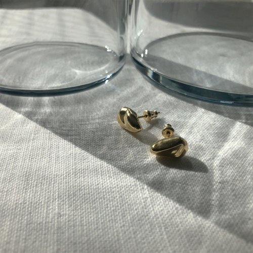 MIKU FUKAMITSU(ミク フカミツ) / かたまるピアス (silver925/K18pt) - ゴールド