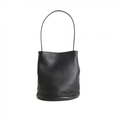 mnoi(ムノイ) / C bag -black-  ショルダーバッグ -ブラック<img class='new_mark_img2' src='https://img.shop-pro.jp/img/new/icons7.gif' style='border:none;display:inline;margin:0px;padding:0px;width:auto;' />