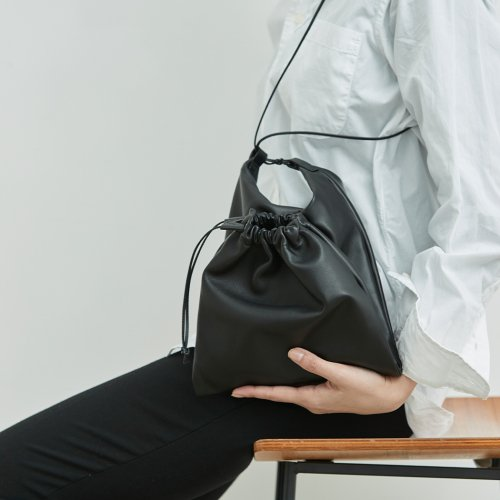 MARROW(マロウ) / MA-AC1305 / LAMBSKIN POUCH ラムスキンバッグ - black ブラック<img class='new_mark_img2' src='https://img.shop-pro.jp/img/new/icons56.gif' style='border:none;display:inline;margin:0px;padding:0px;width:auto;' />