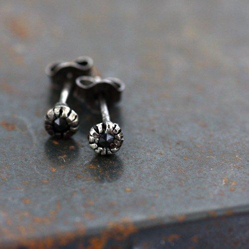 【廃番商品】hirondelle et pepin(イロンデールエペパン) / ap-25 シルバー×ブラックダイヤピアス(両耳タイプ)