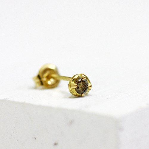 hirondelle et pepin(イロンデールエペパン) / k18 hp-369ミニ4つ爪ブラウンダイヤピアス (片耳タイプ)