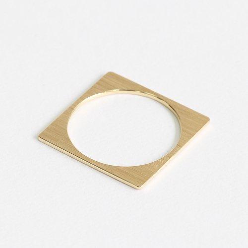 siki(シキ) / R16 k18 スクエアプレート リング - ゴールド