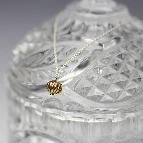 YUKO SATO / スグリの実ネックレス - 真鍮