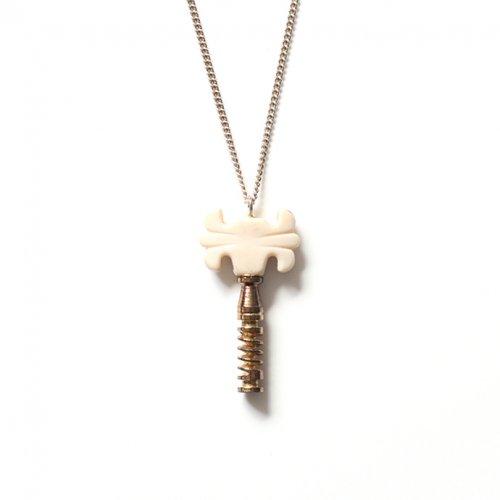 ina.seifart(イナ・セイファート) / qitarrenkette necklace キーモチーフネックレス