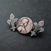 聖女ジャンヌ・ダルク 百合の紋章 アンティークブローチ