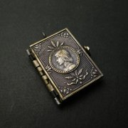 フランスの聖女 ジャンヌ・ダルク ブック型 メダイ アンティーク