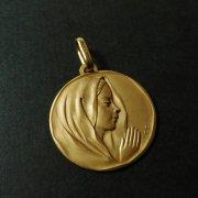 祈る聖母マリア ゴールド アンティークメダイ