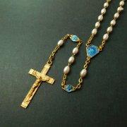 ヴィンテージ ロザリオ フェイクパールビーズ 聖母とキリスト ブルーエナメルパーツ