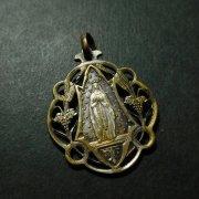 聖母マリア 聖体拝領 アンティーク メダイ  透かし
