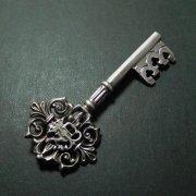 ルルドの聖母 NDL 鍵型 ブローチ アンティーク