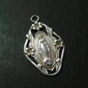 聖母 百合の花 透かし  シルバー アンティーク メダイ