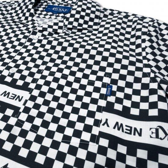 <img class='new_mark_img1' src='https://img.shop-pro.jp/img/new/icons1.gif' style='border:none;display:inline;margin:0px;padding:0px;width:auto;' />Awake NY Champ collar checkerboard logo shirt Black