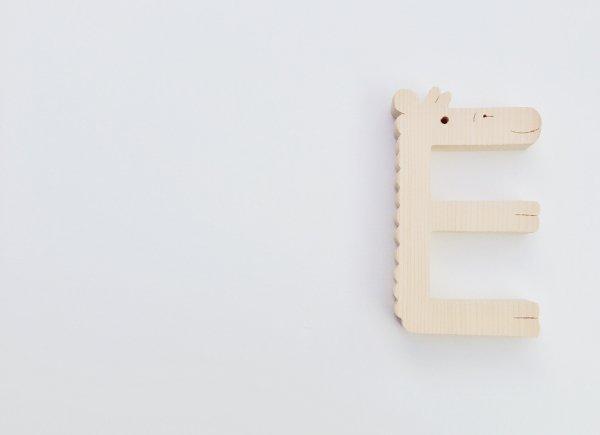 E   ウッドワード
