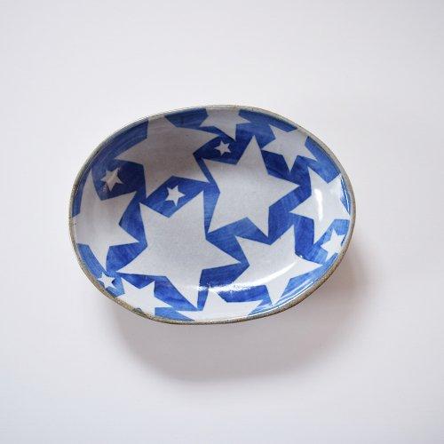 相澤かなえ 星の楕円鉢 青×白い星