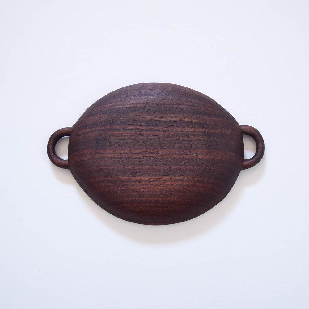 トトコ 持ち手付きのお皿 中サイズ  ブラックウォールナット