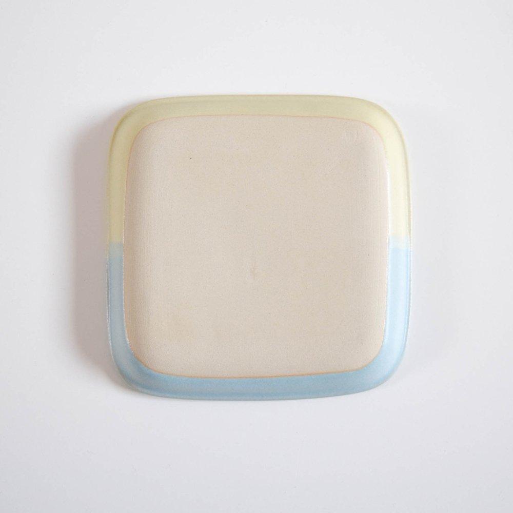 下永久美子 四角皿 シロクマ