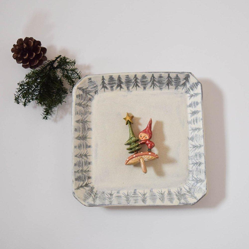 arica ブローチ  きのこの精のクリスマス