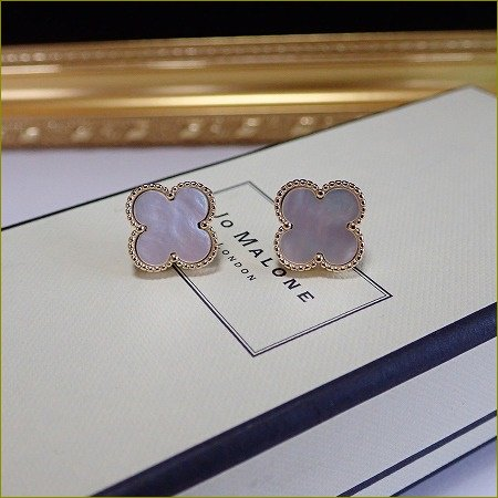 10/5(木)再販開始!mother of pearl clover pierce&earring(大)(ゴールド)