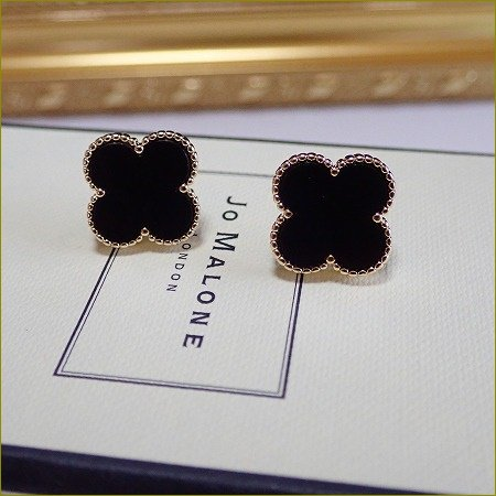 4/24(月)〜順次発送 clover onyx pierce&earring(大)(ゴールド)