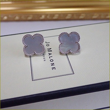 mother of pearl clover pierce��earring����ˡʥ���С���