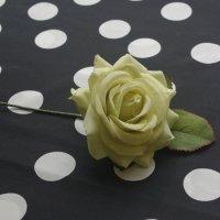 小さいマットな薔薇 7.5cm ライトグリーン