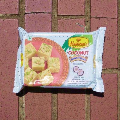 ソーンパプディ/ココナッツ【Haldiram's】Soan Papdi/Coconut (250g)