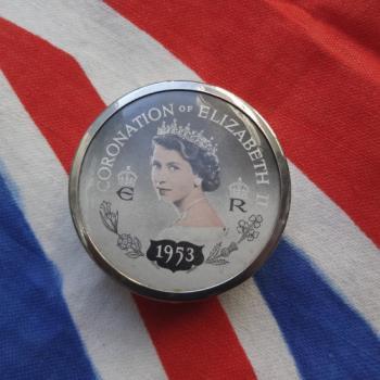 エリザベス女王戴冠式記念 ピルケース