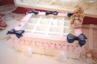 姫デコ♪愛らしいクマさんとホワイトカラーにブルーのリボン の可愛いアクセサリーボックス