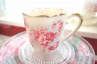 ピンクレッドの大人の可愛さ 葉の形がとってもオシャレ♪マグカップ