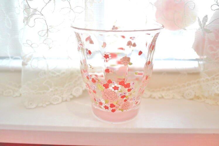 お花が舞い散り、可愛さが溢れます♪底までこだわります☆ヌーベルフルール ガラスタンブラー
