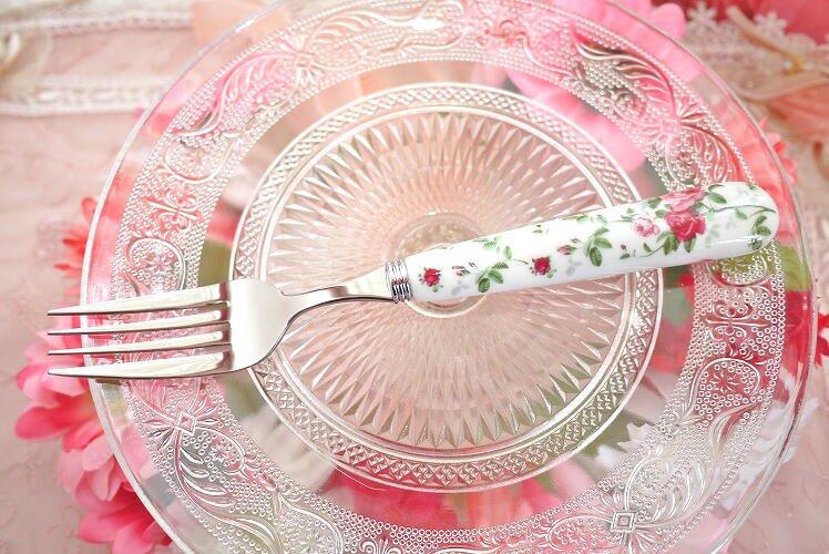 エレガントなローズを食卓に!大きめサイズのデザートフォーク・ナイフ(イングリッシュローズ)