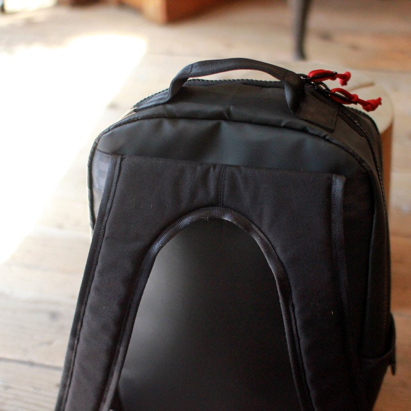 DEFY BAGS * BUCKTOWN PACK TARP BLACK (Cord:Red)