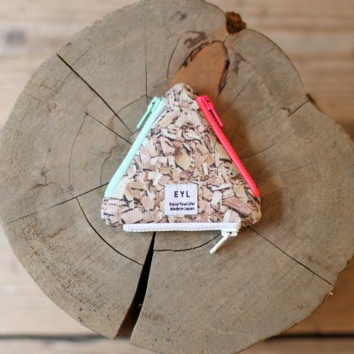 EYL * Coin Case / Wood chips