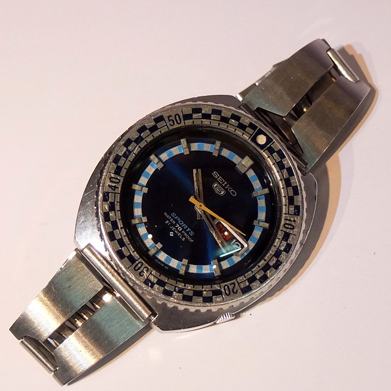 Vintage Watch * SEIKO 5SPORTS / Blue bezel