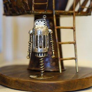 小さなロボット「Dr.NOPPO」ドクトルノッポ