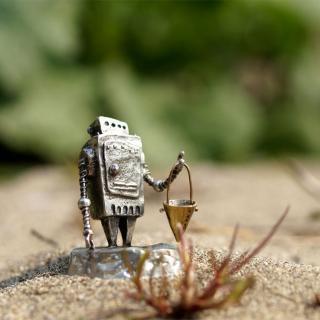 小さなロボット「Ropica」