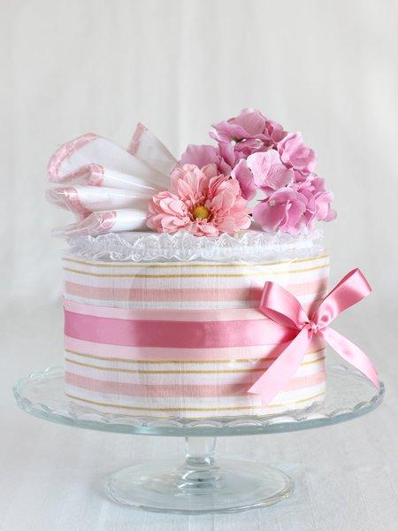 おくるみ・ウォッシュクロス付きおむつケーキ 「ピンク・ストライプ」