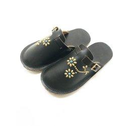 ビブラムソール 手縫い フラワーデザイン レザーサンダル flower Studs Leather Sandal
