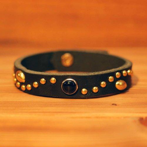手染め牛革 カウレザー アラベスクスタッズ スポッズ ブレスレット ブラック×ゴールド/ Grain leather studs bracelet