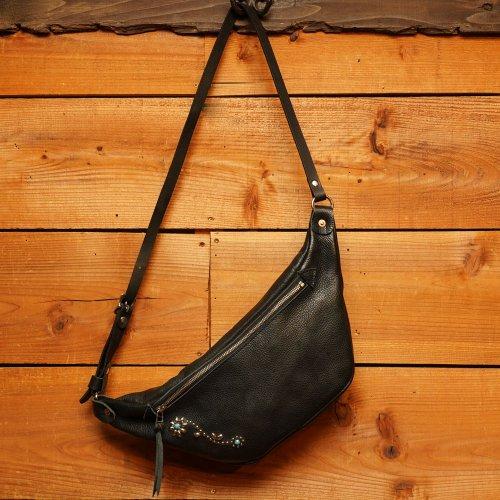 ロロマシュリンクレザー素材 ラウンドショルダーバッグ ブラック / ROROMA studs Round Shoulder Bag Black