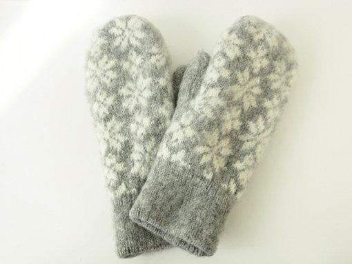 バルト/エストニアで見つけた手編みのミトン(手袋)_グレー×ホワイト