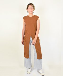 【QUINOA】Center Slit Summer Knit<img class='new_mark_img2' src='https://img.shop-pro.jp/img/new/icons58.gif' style='border:none;display:inline;margin:0px;padding:0px;width:auto;' />