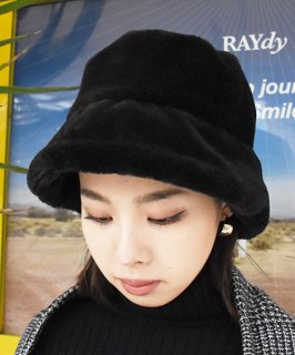 <img class='new_mark_img1' src='https://img.shop-pro.jp/img/new/icons20.gif' style='border:none;display:inline;margin:0px;padding:0px;width:auto;' />【RAYdy】Fur Hat (2Color)