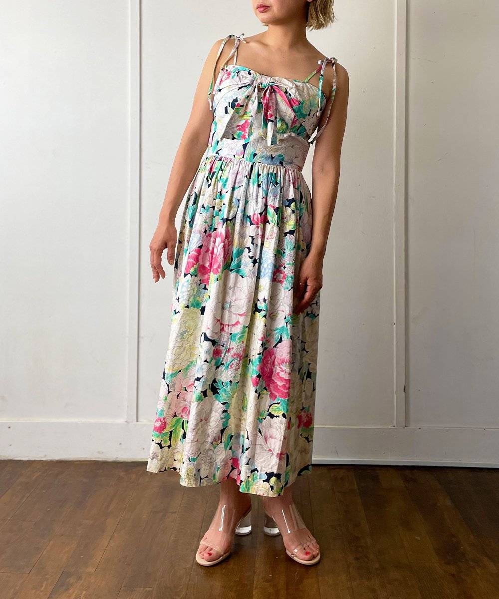 【P-11】Flower Vintage dress<img class='new_mark_img2' src='https://img.shop-pro.jp/img/new/icons14.gif' style='border:none;display:inline;margin:0px;padding:0px;width:auto;' />