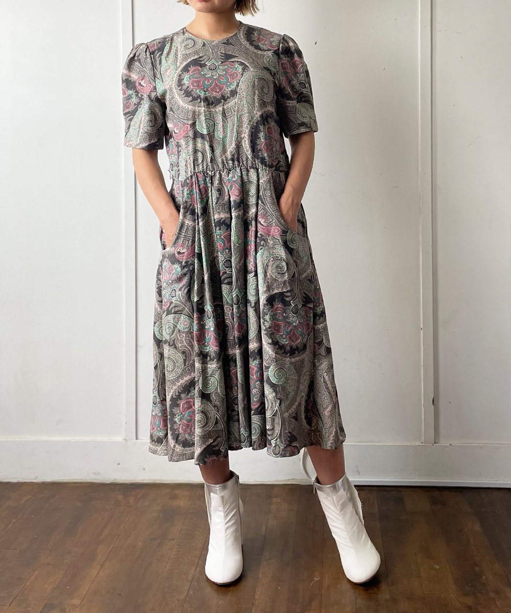 【P-11】Paisley Vintage dress<img class='new_mark_img2' src='https://img.shop-pro.jp/img/new/icons14.gif' style='border:none;display:inline;margin:0px;padding:0px;width:auto;' />
