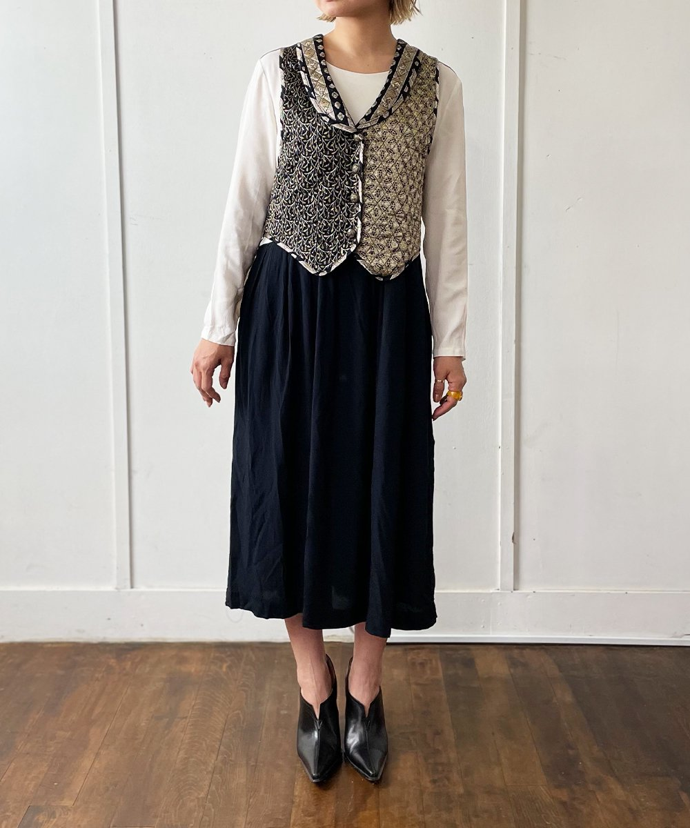 【P-11】Vest Layered Vintage dress<img class='new_mark_img2' src='https://img.shop-pro.jp/img/new/icons14.gif' style='border:none;display:inline;margin:0px;padding:0px;width:auto;' />