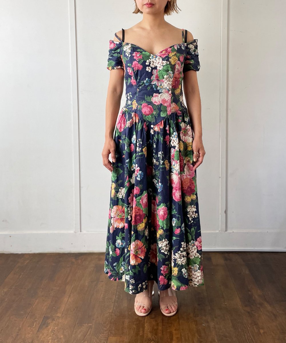 【P-11】Flower Cotton Vintage dress<img class='new_mark_img2' src='https://img.shop-pro.jp/img/new/icons14.gif' style='border:none;display:inline;margin:0px;padding:0px;width:auto;' />
