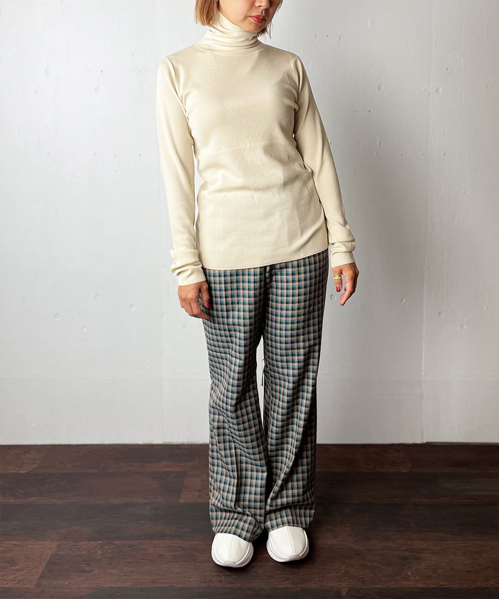 【WoM】FULL NEEDLE LAYER KNIT (IVORY)<img class='new_mark_img2' src='https://img.shop-pro.jp/img/new/icons14.gif' style='border:none;display:inline;margin:0px;padding:0px;width:auto;' />