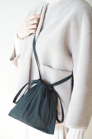 <img class='new_mark_img1' src='https://img.shop-pro.jp/img/new/icons48.gif' style='border:none;display:inline;margin:0px;padding:0px;width:auto;' />【formuniform】Drawstring bag XS with strap